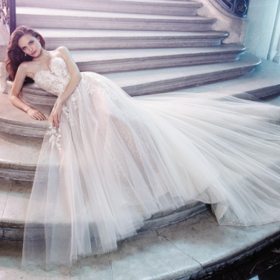 Continue wedding dress shopping with this virtual tour from Brides Visited