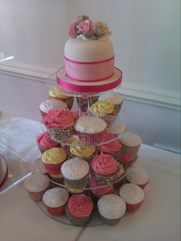 Cake maker, Shenaz Lake-Thomas gives her top tips for buying a cake for a small wedding