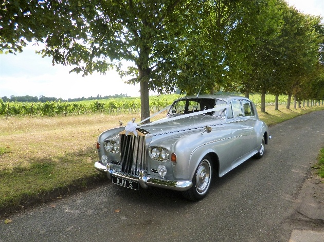 How to find the perfect wedding transport