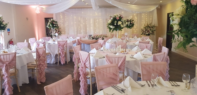 Lingfield-based florist and venue stylist, Butterflies & Bows is offering our readers an exclusive discount